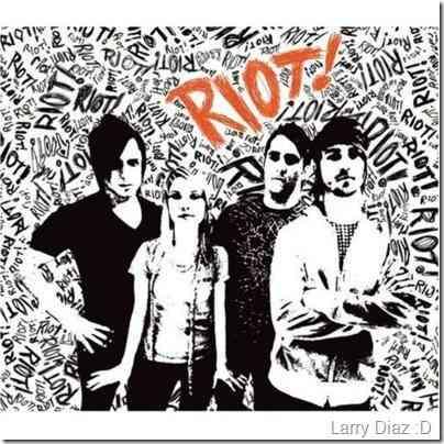 Paramore - Riot LE_400x400